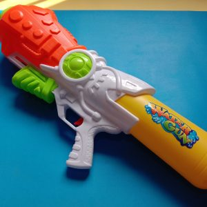 Long-Distance Spout Water Gun Large Size – Pressure Gun
